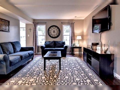 167 Nottingham Trl, Newport News, VA 23602. House For Sale