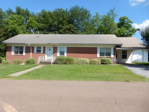 602 S 5th St, Collins, MS 39428