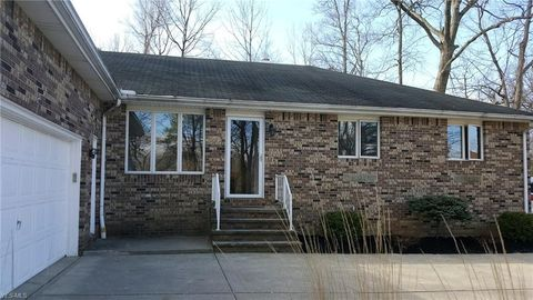 Photo of 14359 Bagley Rd, Middleburg Heights, OH 44130