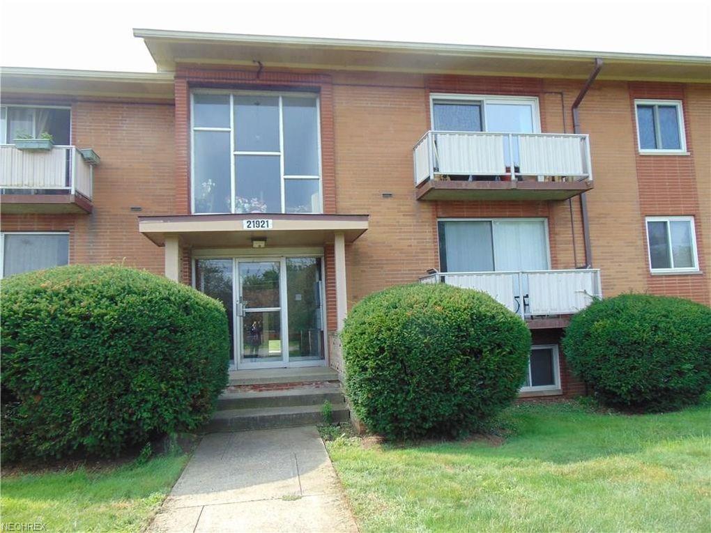 21921 River Oaks Dr Apt D11, Rocky River, OH 44116 - realtor.com®