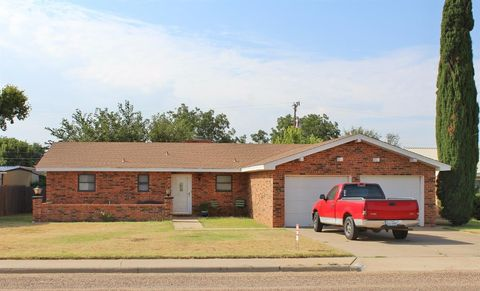 511 19th St, Seagraves, TX 79359