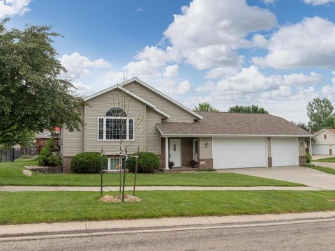 Photo of 1150 Golfers Ct Se, Rochester, MN 55904