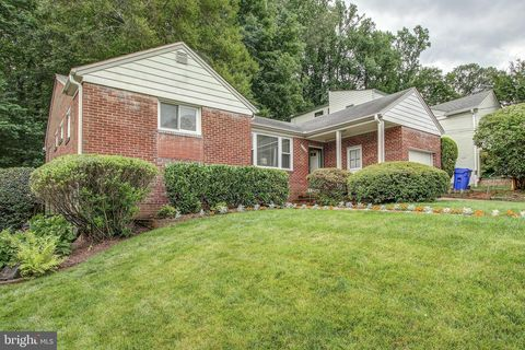 Photo of 2306 Ashboro Dr, Chevy Chase, MD 20815