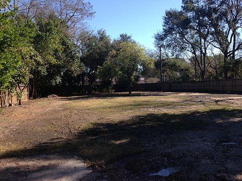 910 Sprucewood Ln, Hedwig Village, TX 77024