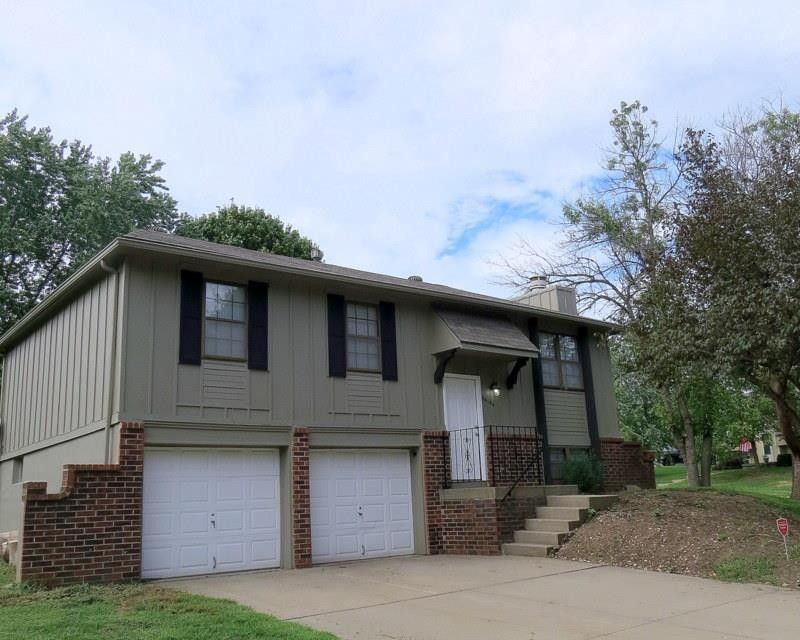 20104 E 16th St N, Independence, MO 64056