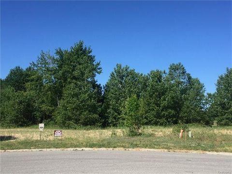 75099 Elk Horn Dr, Bruce Township, MI 48065