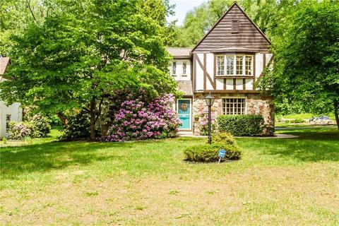 12 Lake Crescent Dr, East Rochester, NY 14445