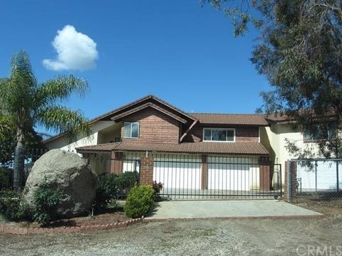 Riverside ca 4 bedroom homes for sale for 7 bedroom house for sale in california
