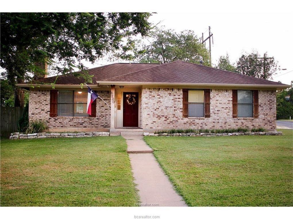 8200 Butler Ridge Dr, College Station, TX 77845
