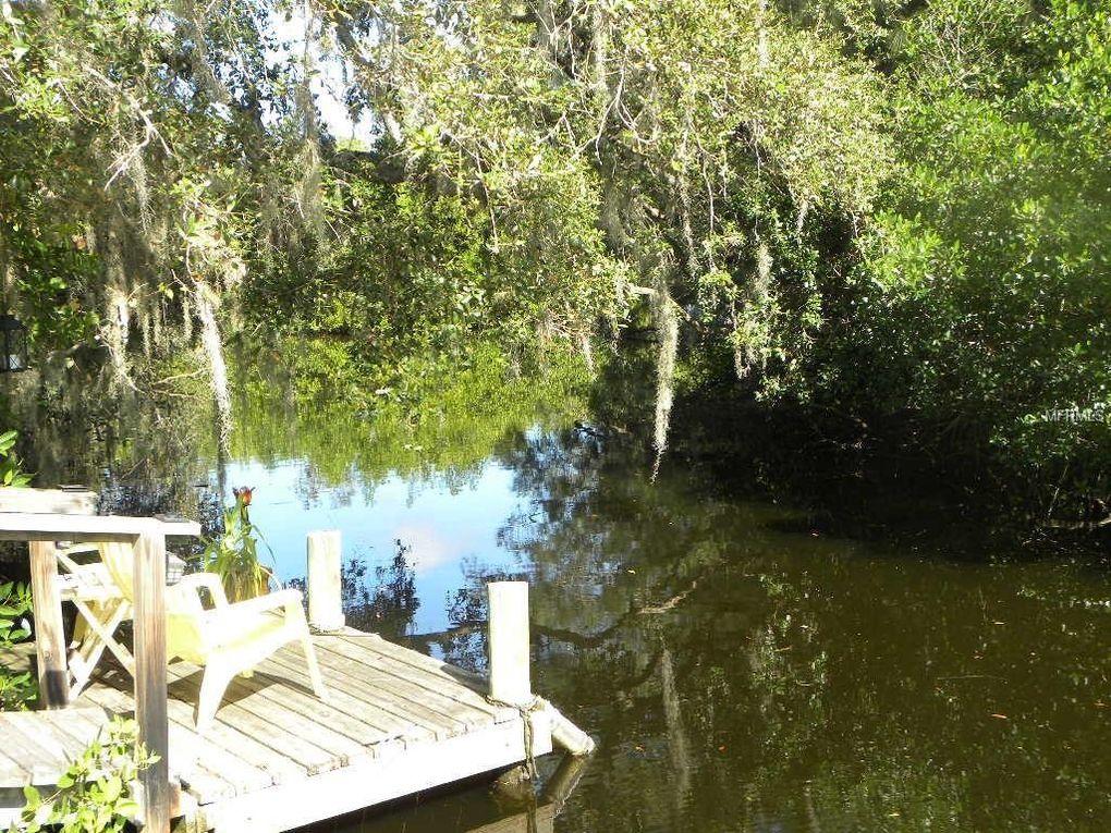 380 E Wentworth Cir, Englewood, FL 34223