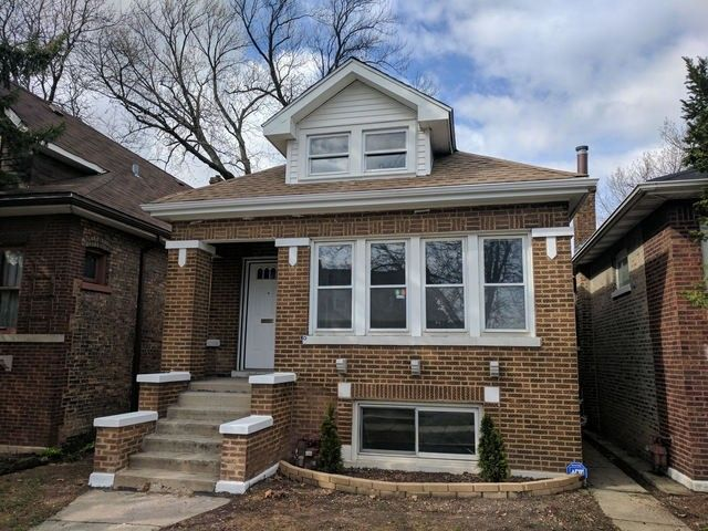 4854 W Crystal St, Chicago, IL 60651