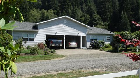 282 E Little Albany Loop, Tidewater, OR 97390