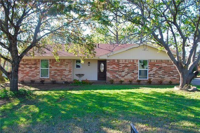 204 Live Oak St Azle, TX 76020