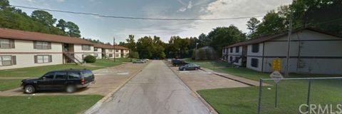 705 Clifford St, Center, TX 75935