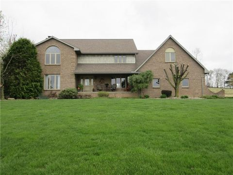 Photo of 560 N Cherry St, West Franklin, PA 16262