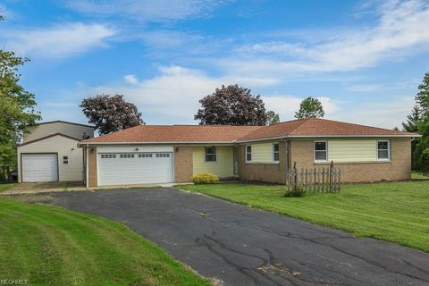 Photo of 1415 Clay St, Jefferson, OH 44047