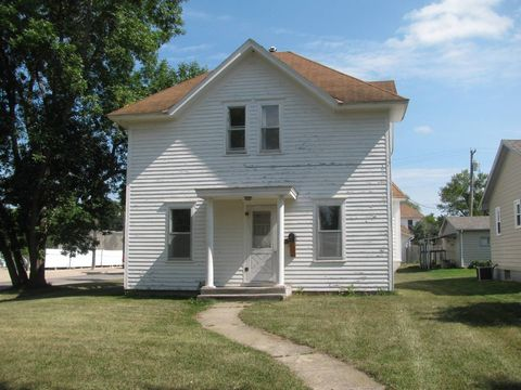 Photo of 111 N 5th St, Milbank, SD 57252