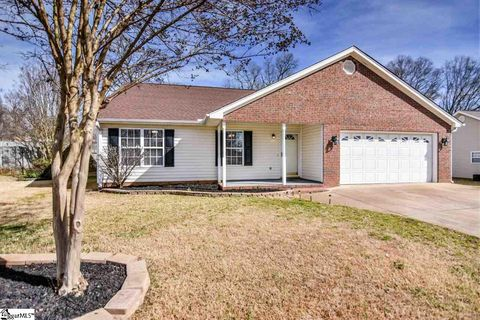 Photo of 17 Sweetland Ct, Greenville, SC 29607
