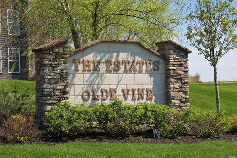 70 Tyler Dr, Riverhead, NY 11901
