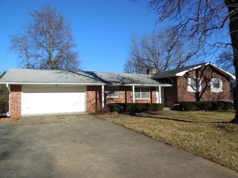 2240 S Patterson Ave, Springfield, MO 65804
