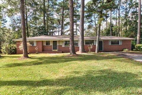Photo of 303 Eastlake Dr, Quitman, GA 31643
