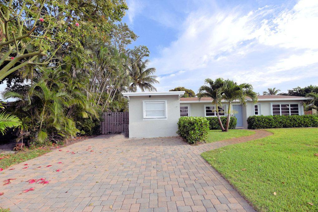 836 Cinnamon Rd, North Palm Beach, FL 33408