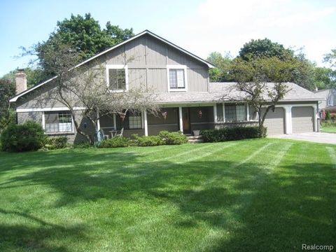 3185 Westacres Dr, West Bloomfield Township, MI 48324