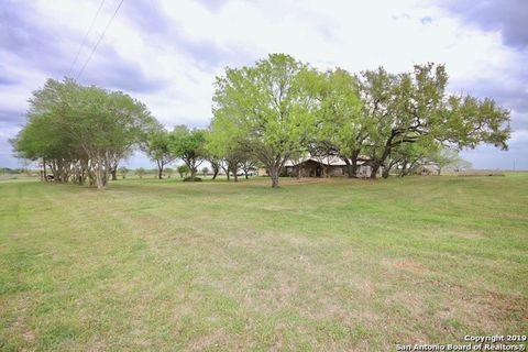 514 County Road 226, Falls City, TX 78113