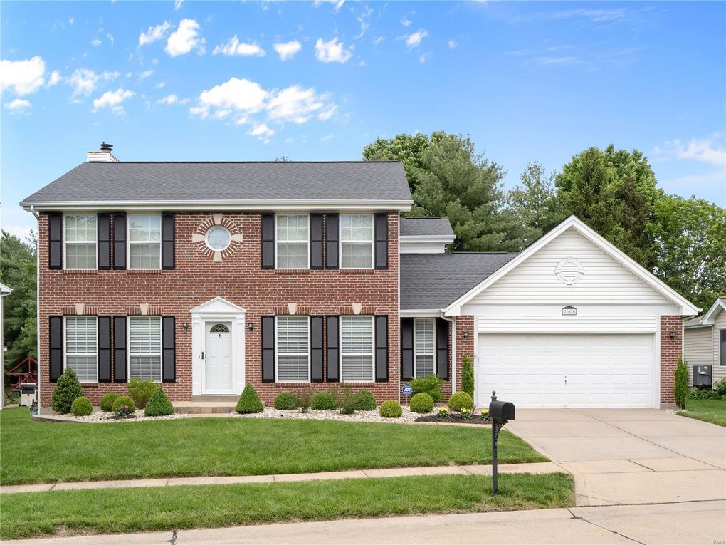 201 Dejournet Dr Chesterfield, MO 63005
