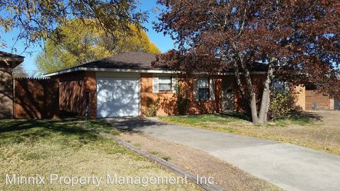 Photo of 2613 16th Ave, Canyon, TX 79015