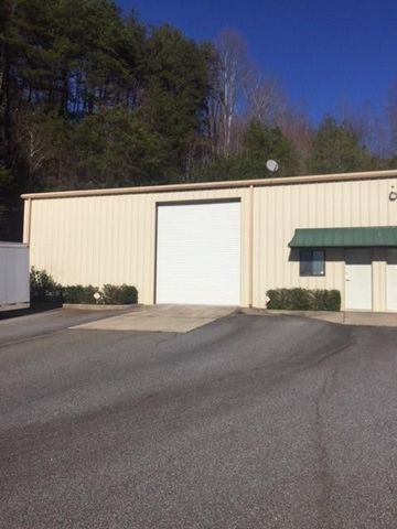 Photo of 879 Highway 52 E, Dahlonega, GA 30533