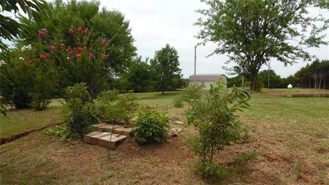 Photo of 606 S Main St, Carney, OK 74832