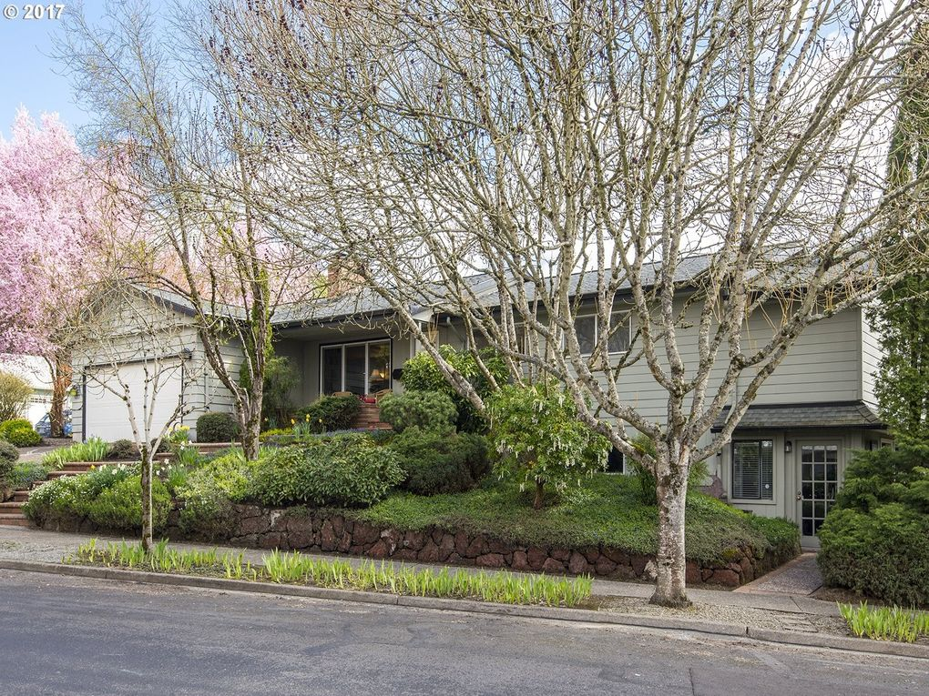 6740 Sw 12th Ave, Portland, OR 97219