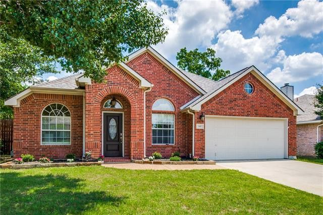 2402 Blue Holly Dr, Corinth, TX 76210