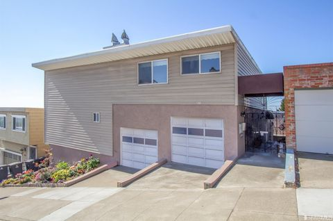 Photo of 2117 14th Ave, San Francisco, CA 94116