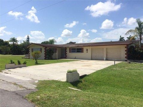 98 4th St, Bonita Springs, FL 34134