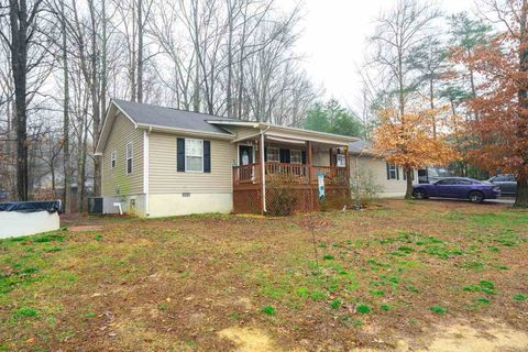 Photo of 126 Pine Dr, Old Fort, TN 37362