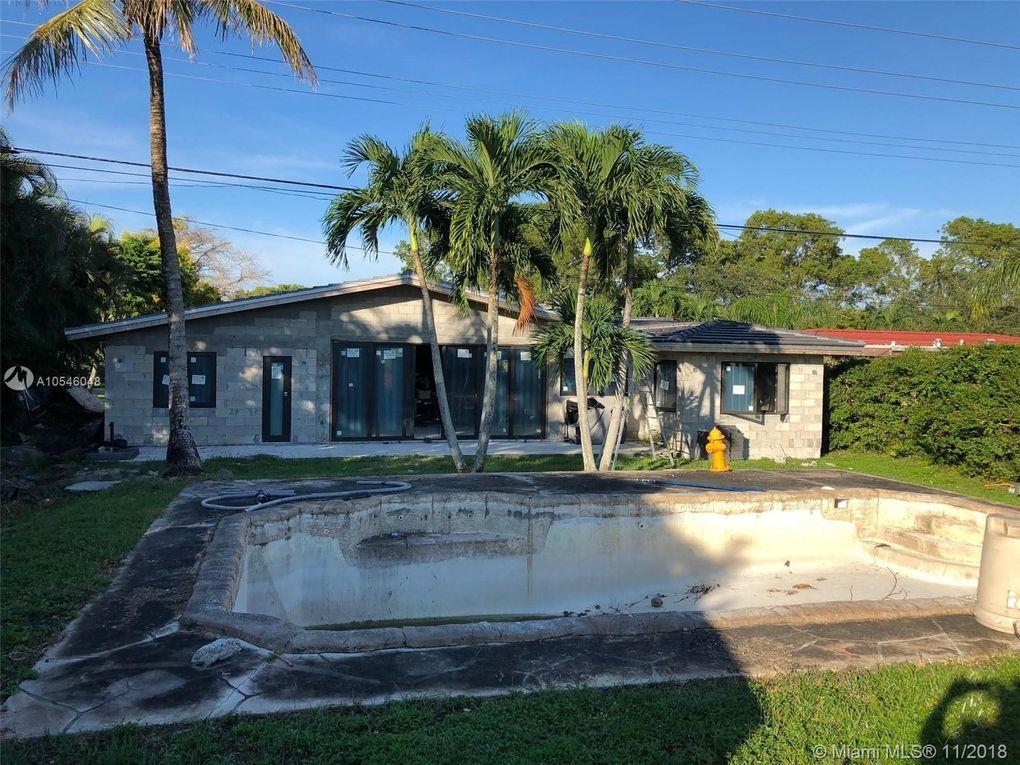 14435 Lake Candlewood Ct, Miami Lakes, FL 33014