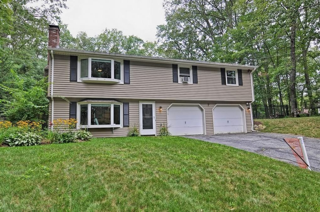 23 Institute Rd, Grafton, MA 01536