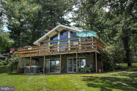 Photo of 746 Pine Tree Point Rd, Swanton, MD 21561