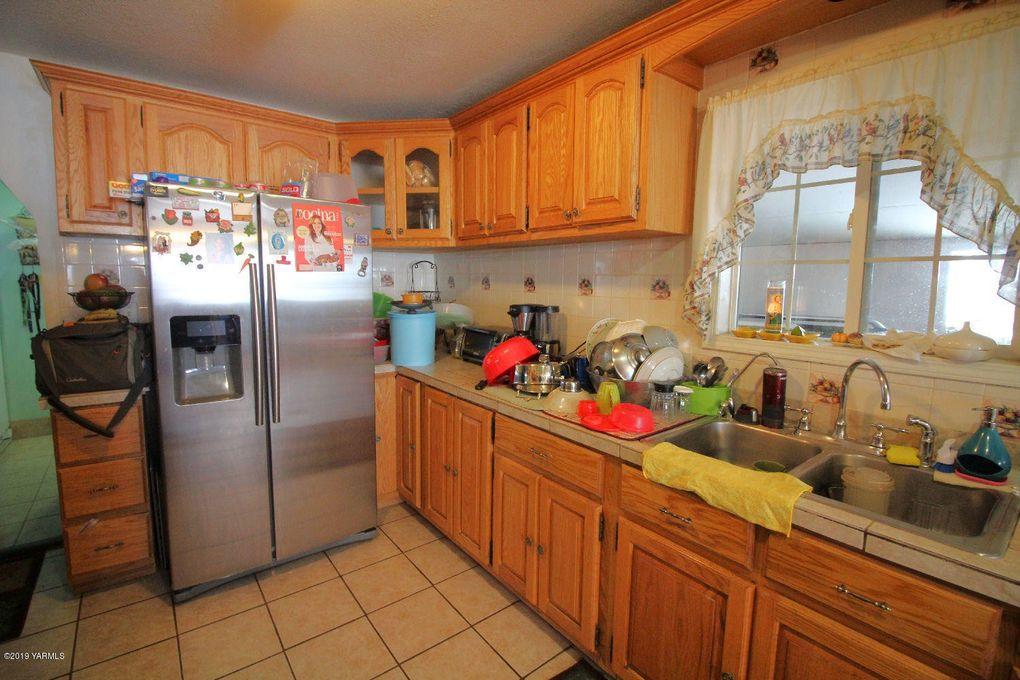 1615 Beaudry Rd, Yakima, WA 98901