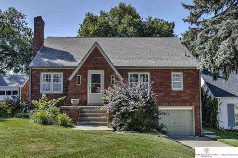 5415 Parker St, Omaha, NE 68104. House For Sale