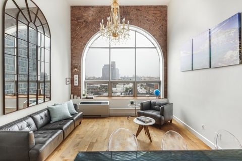 Photo of 2-17 51st Ave Unit 606, Queens, NY 11101