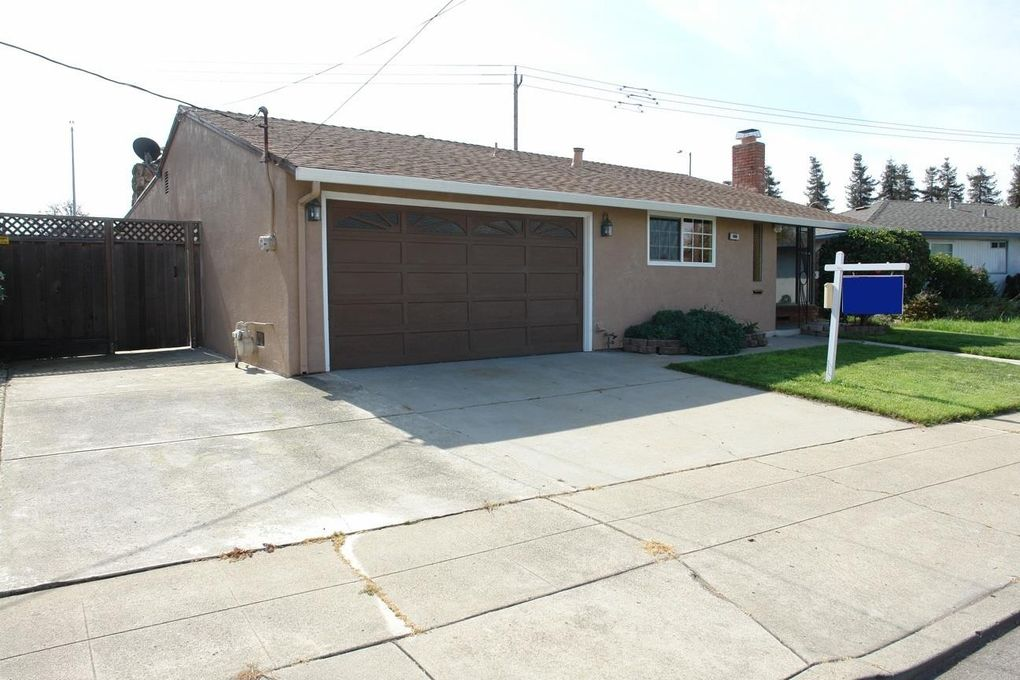 666 Bluefield Ln, Hayward, CA 94541