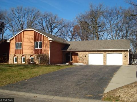 1023 94th Ln Nw, Coon Rapids, MN 55433