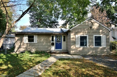 6 Sioux Ave, Parsippany Troy Hills Township, NJ 07034