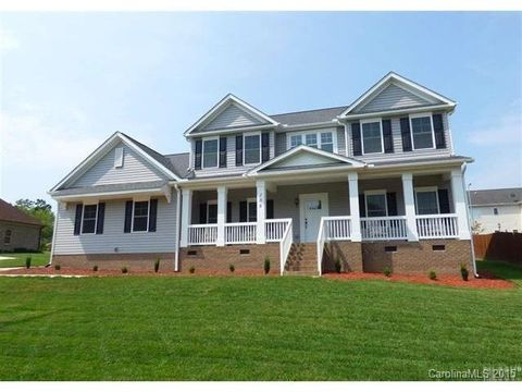 Maple place real estate homes for sale in maple place for Home builders in hickory nc