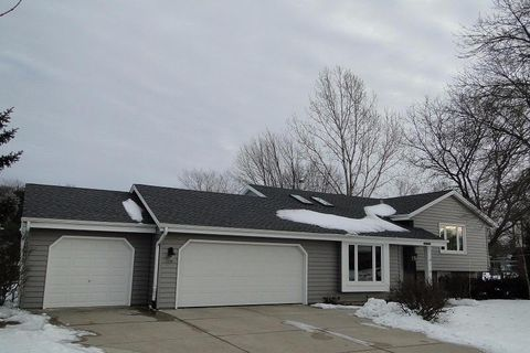 W204 S10374 Cindy Ct, Muskego, WI 53150