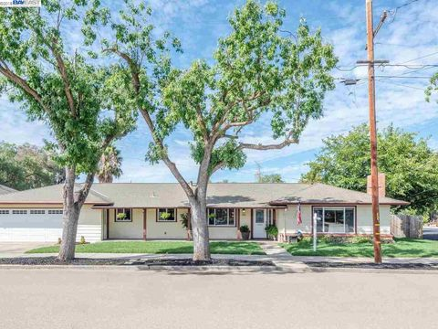 791 S N St, Livermore, CA 94550
