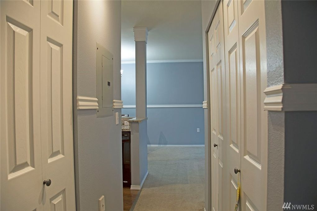 Rainier Ave N Unit G Renton WA Realtorcom - Bathroom remodel renton wa